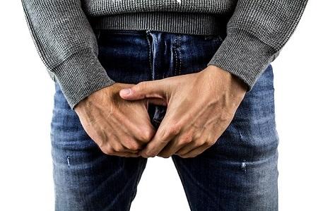 péniszbetegség és kezelés ha a péniszét megcsípi a kezével